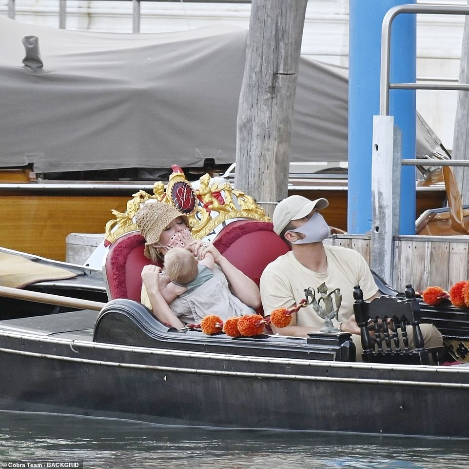 Family trip: after enjoying the sun and the landscapes of Venice since the weekend, Katy and Orlando Bloom were out again on Wednesday, soaking up Italian culture with their daughter