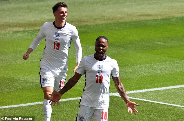 Raheem Sterling and Mason Mount's patterns of play may need to change at Wembley