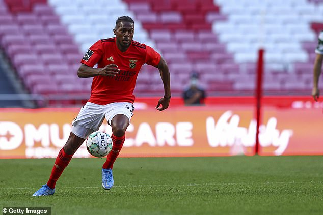 Nuno Tavares is to undergo a medical ahead of confirming his £6.8m transfer from Benfica to Arsenal