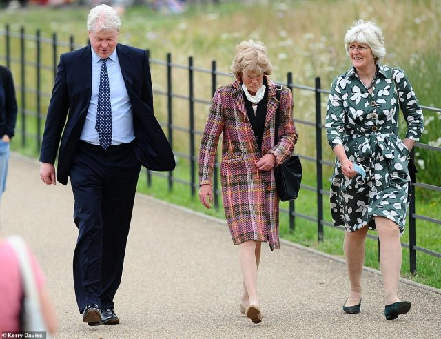Diana's siblings Earl Spencer, Lady Jane Fellowes and Sarah McCorquodale are seen attending the unveiling