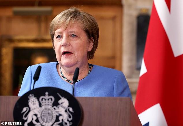 Mme Merkel, 66 ans, doit quitter ses fonctions de chancelière allemande après 16 ans à la tête