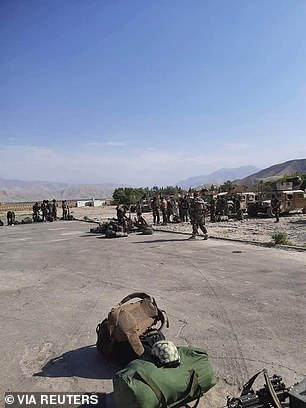 Afghan Commandos arrive to reinforce the security forces in Faizabad on Sunday