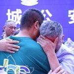 Father reunited with son abducted 24 YEARS ago after travelling 300,000 miles around China in search 💥👩💥