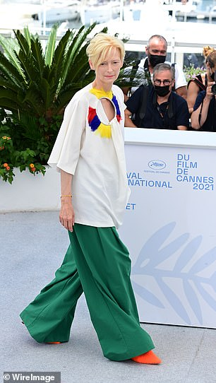 Statuesque: Tilda's loose-fitting ensemble was sure to keep her cool in the warm weather
