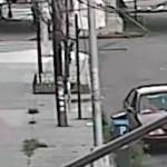 Mother pulls her son, 5, from kidnapper's car window in Queens [Video] 💥👩💥