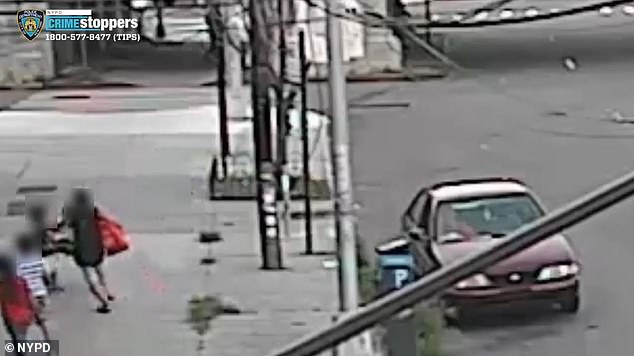 A mother was walking with her children on Hillside Avenue in Queens on Thursday evening when her five-year-son became the victim of a brazen attempted kidnapping