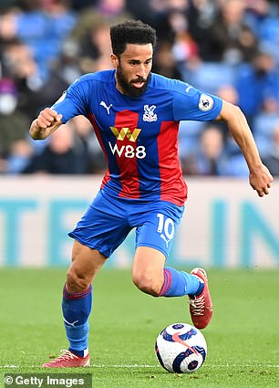 Andros Townsend has had a medical ahead of making a free transfer to Goodison Park