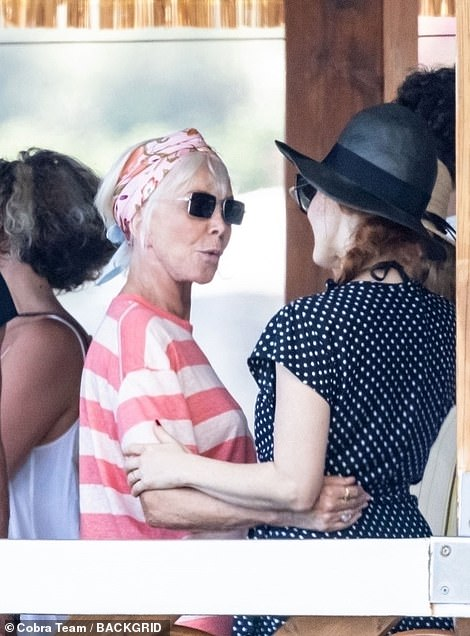 Oh hi! Trudie and Sting looked thrilled to run into Jessica at the coastal eatery