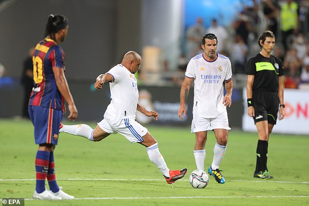 Roberto Carlos featured for Madrid and was even able to try his luck with a trademark free-kick