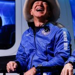 Bernie Sanders slams newly minted astronaut Jeff Bezos for not paying tax 💥👩💥