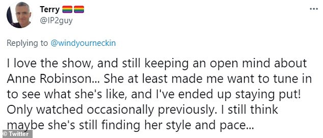 Not bad at all !  While it seems not everyone is unhappy with Anne's style, one person tweeted in her defense: