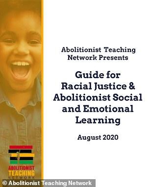 De regering-Biden promootte een handboek waarin leraren werden aangespoord om 'witheid en andere vormen van onderdrukking te verstoren' in de richtlijnen van hun ministerie van Onderwijs bij het heropenen van scholen, zo is onthuld.