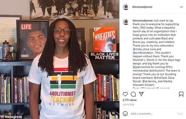 Bettina Love, mede-oprichter van Abolitionist Teaching Network, zei eerder dat de organisatie 'niet is toegewijd aan het creëren van nieuwe scholen of het opnieuw vormgeven van scholen, maar het vernietigen van scholen die niets anders doen dan zwarte en bruine kinderen schaden'
