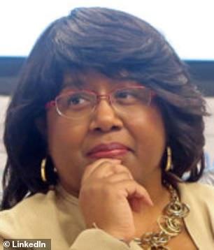 Senior adviseur voor beleid en planning Donna Harris-Aikens diende als senior directeur bij de grootste lerarenvakbond in de VS toen het in juni 2020 de mede-oprichter van het Abolitionist Teaching Network als spreker ontving