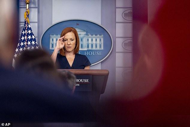 Perssecretaris Jen Psaki nam donderdag afstand van het Witte Huis van de controversiële idealen van het Abolitionist Teaching Network, maar minimaliseerde de impact van de groep op het algemene document als een 'citaat in een rapport waarvan er duizend citaten zijn'