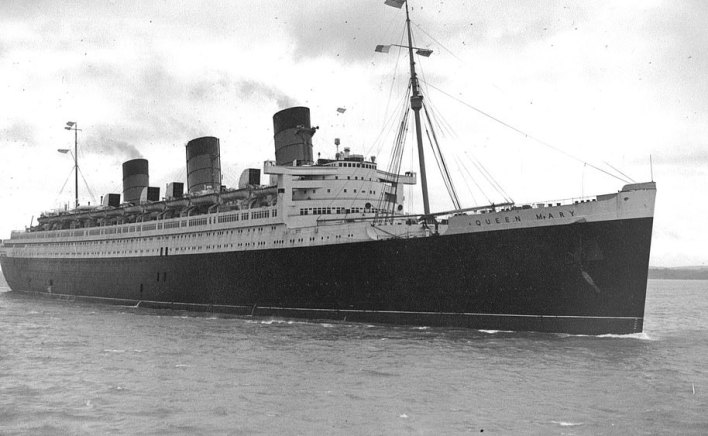The Queen Mary's propulsion engines produced a massive 160,000 SHP (shaft horsepower) and gave it a speed of over 30 knots