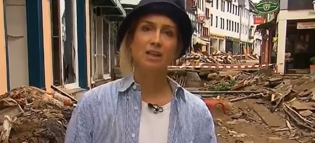 RTL presenter Susanna Ohlen has apologised after she was caught smearing herself in mud before filming a report in a flood devastated town this week
