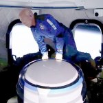 Jeff Bezos is NOT an astronaut! FAA changes rules for how it awards astronaut wings 💥👩💥
