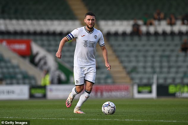 Fulham are set to complete the signing of Swansea midfielder and captain Matt Grimes