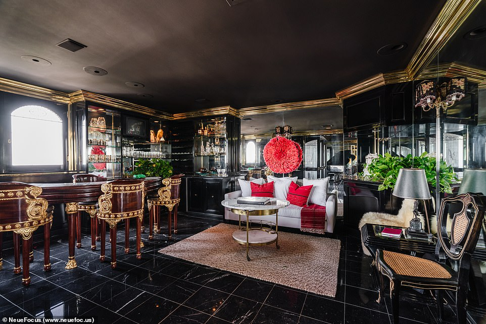 Luxe: Offers a lavish ambiance, courtesy of Venice Beach staging designers Tumbleweed & Dandelion