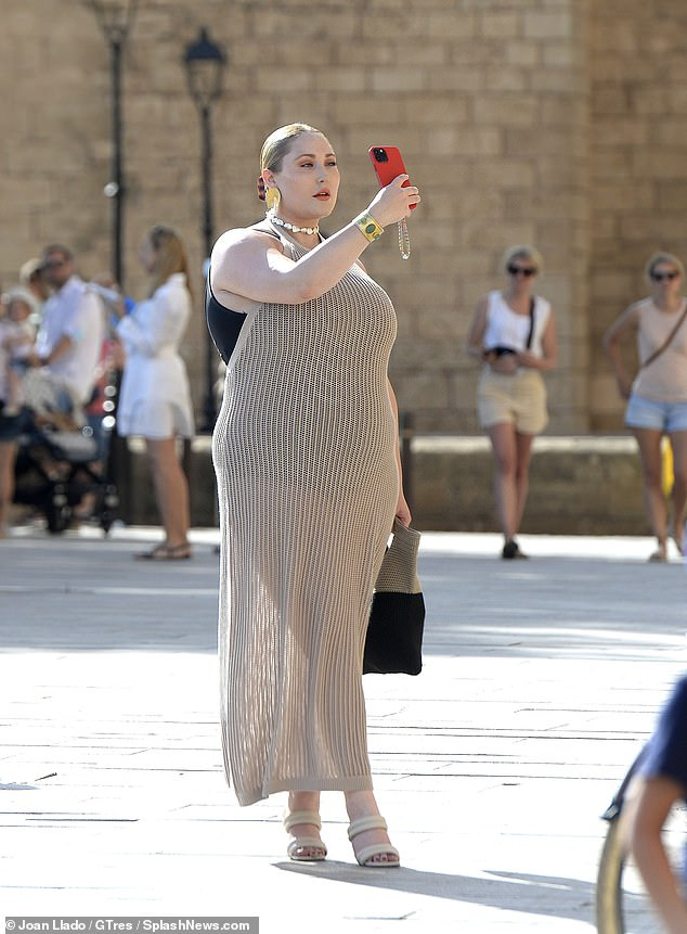 Chic: Hayley, who made history in April when she became the first plus-size model to pose for the cover of the German edition of Playboy, also showcased her fashion sense in another stunning outfit on Tuesday