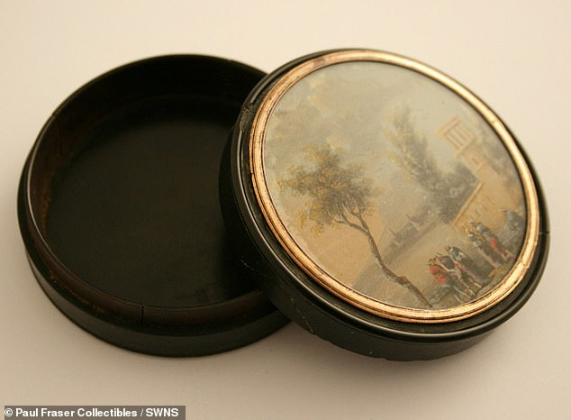 The tortoiseshell composition snuff box was originally owned by the Battle of Trafalgar hero, and features a miniature watercolour scene of the Amalfi coast on the top