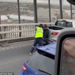 Westgate Bridge road rage intervened by hero truck driver in Melbourne 💥👩💥