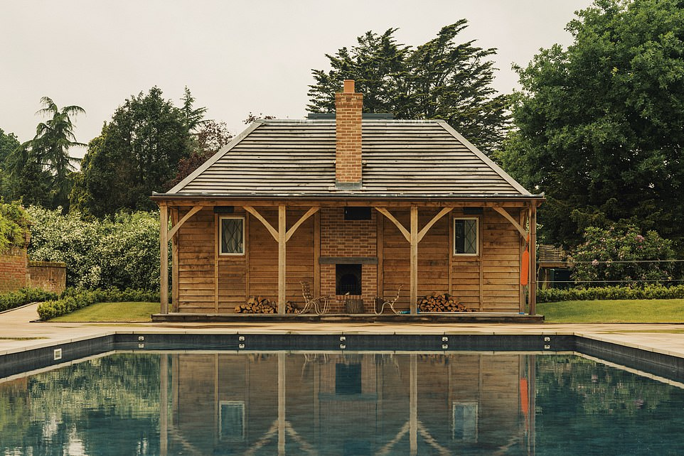 There is a 22-metre heated pool with sunloungers and new pool houses near the lakeshore