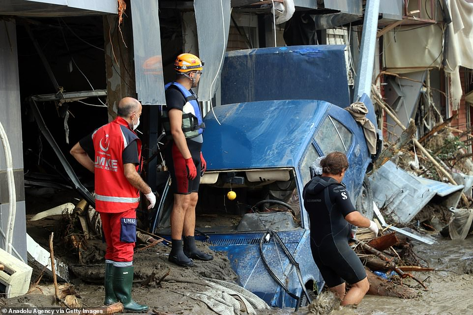 Search and rescue efforts in Bozkurt district of Kastamonu, Turkey, continued on Friday morning after the death toll from the flash floods rose to 27