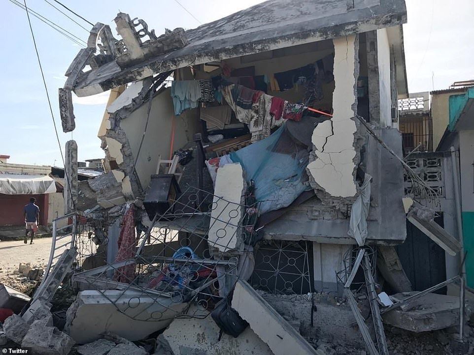 Photos on Twitter showed buildings reduced to rubble and smashed vehicles in the towns of Jérémie and Les Caye