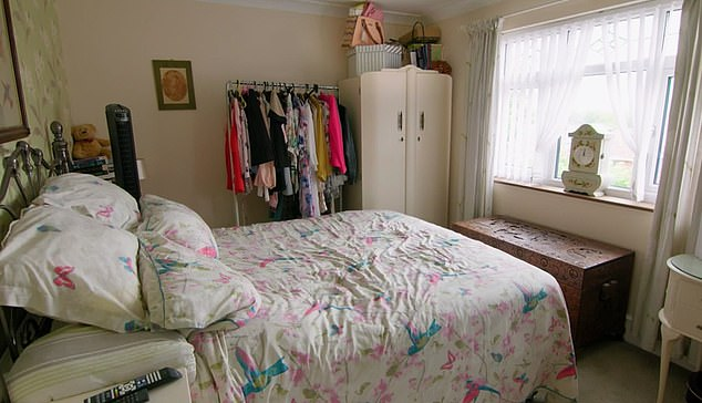 Changing Room viewers welcomed the 'crackers' transformations on the show tonight.  Pictured is Lisa's bedroom, from Swansea, before its extravagant transformation on the Channel 4 program