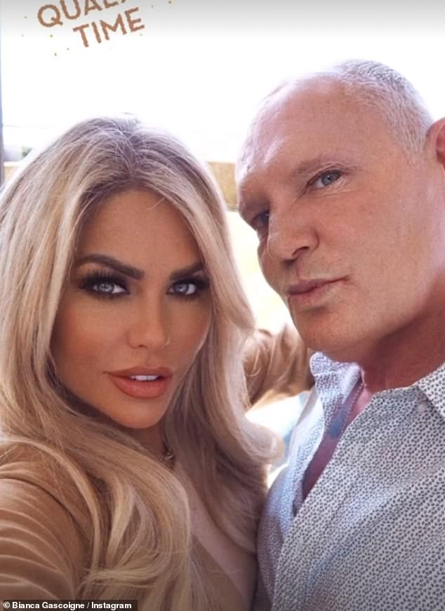 Pucker up:In a second snap, the father-daughter duo puckered up for Bianca's 337,000 followers