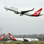 Qantas plan to restart international flights from the end of 2021 - just in time for Christmas 💥👩💥