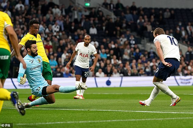 Kane netted twice on his first start of the season as Spurs beat Pacos de Ferreira on Thursday