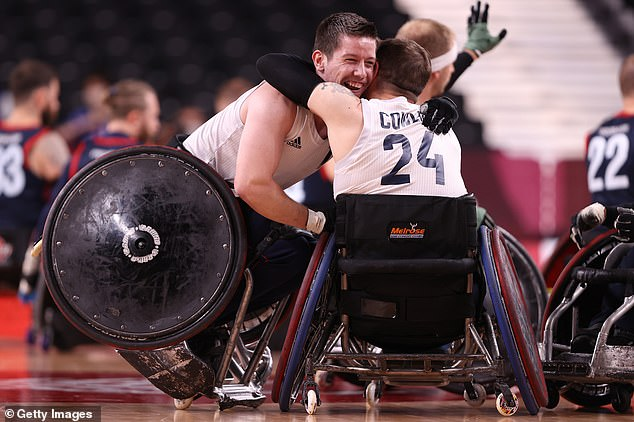 Jamie Stead (left) celebrates with Ryan Cowling after clinching the gold medal on Sunday