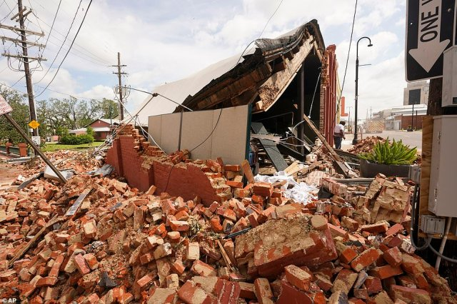 Strong winds from Ida toppled this building in Houma, Louisiana on Sunday