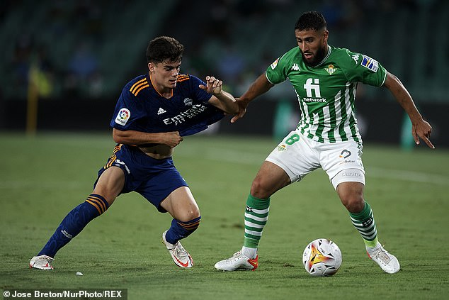 Fekir, who now plays for Real Betis, says an issue with his former agent caused the deal to fail