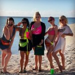 Rebel Wilson celebrates belated 41st birthday with her Pitch Perfect co-stars 💥👩💥