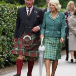 Prince Charles and Camilla unveil a giant knitted patchwork installation over a bridge in Scotland 💥👩💥