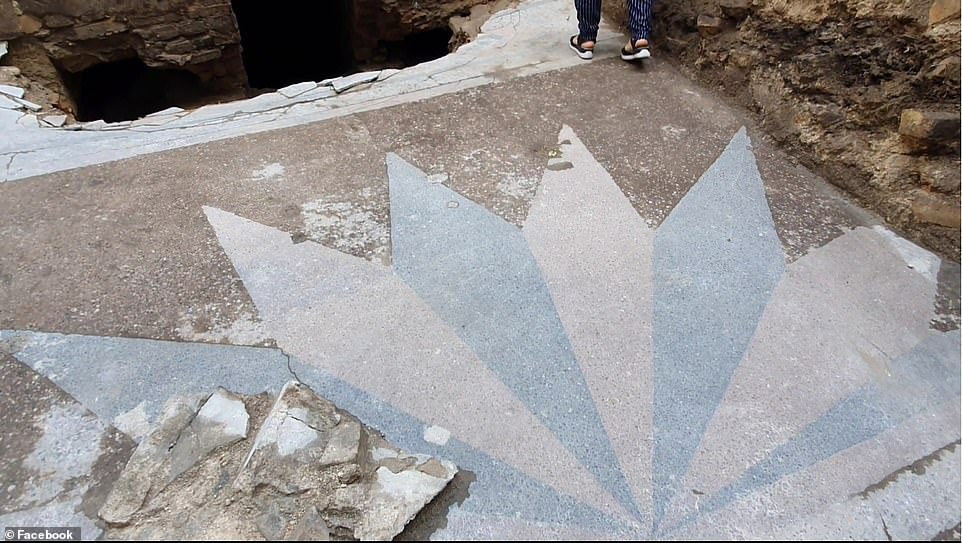 A previously undocumented 'terrazzo' floor that forms a sun pattern was found in front of the ark