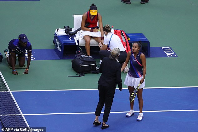 At the time, Canadian teenager Fernandez spoke to officials to air her frustration at the delay