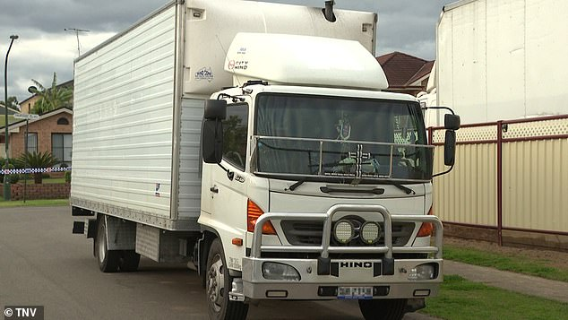 The removalist crew (vehicle pictured) were already in Orange when NSW Health called to inform Roni that he had tested positive to the highly contagious Indian Delta strain