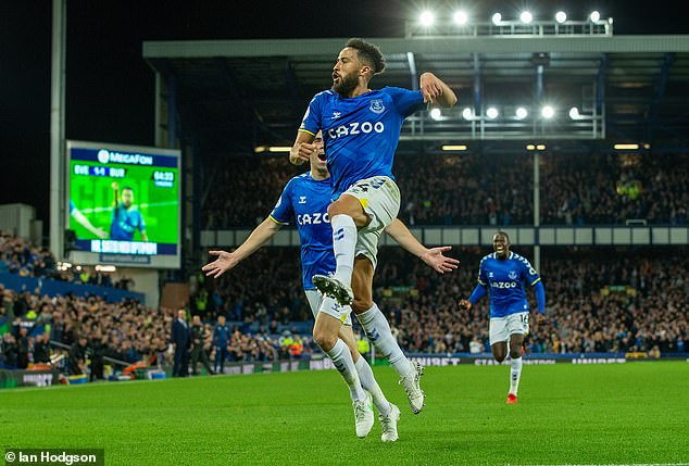 Townsend is keen to see Everton continue to adapt to a system using three at the back