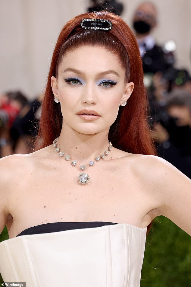 Cateye:As for makeup, the runway maven accentuated her sultry gaze with some bold winged eyeliner and powder blue eyeshadow on her lids