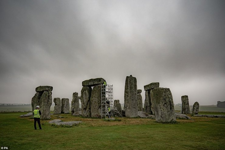 Strong winds buffeting the 4,500-year-old stone circle in Salisbury Plain two miles west of Amesbury have taken their toll on its horizontal stones, called lintels, which may start rocking or become unstable