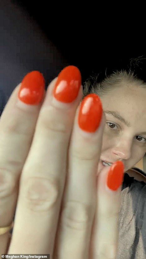 'Look at this. This is my old nails, I love this color. But the next time you see them, they will be done, poof!'