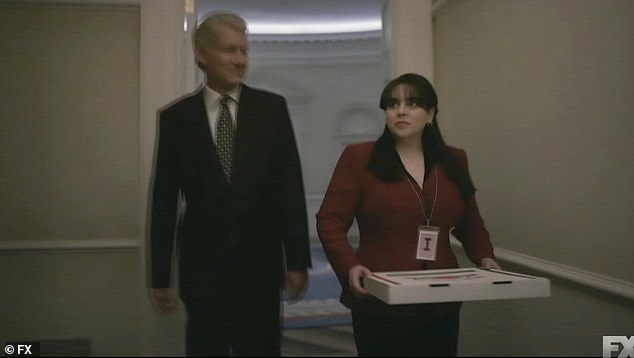 Impeachment: American Crime Story: The FIRST kiss between Bill Clinton and Monica Lewinsky plays out
