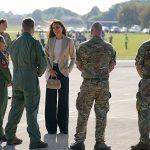 Kate Middleton meets Kabul evacuation heroes at RAF Brize Norton 💥👩💥