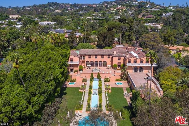 The image above shows Beverly House, the estate once owned by publishing giant William Randolph Hurst, in Beverly Hills, California