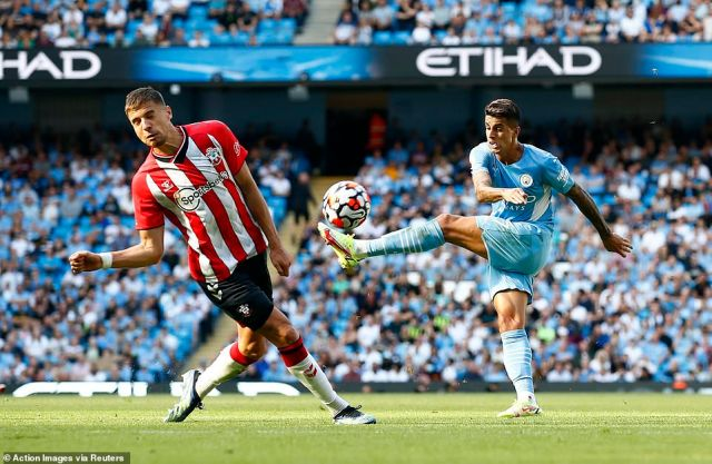 Manchester City had a number of efforts in the first half but struggled to create a clear cut opportunity to get a breakthrough